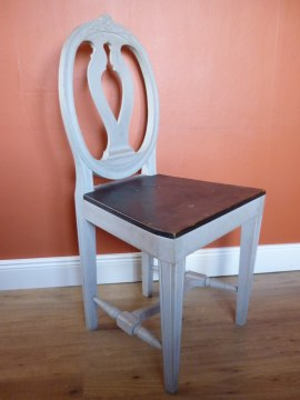 Nytillverkning efter provinsiell gustaviansk stol