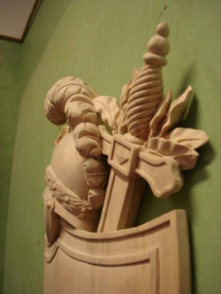 Detalj av svärdet på skölden