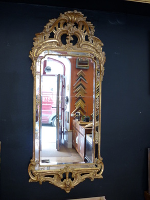 Restaurerad rokokospegel från Johan Åkerblad