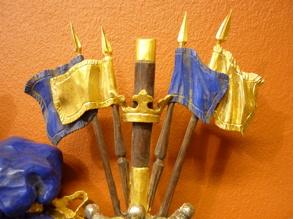 Hjälmprydnad i form av fanor och kommandostav med krona