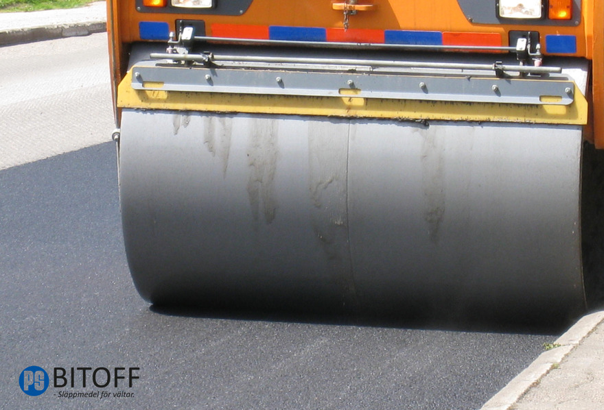 PS BITOFF asfalt/bitum släppmedel för asfaltshantering på vältar. PS Bitoff är din leverantör av släppmedel för vältar. Vi levererar PS BITOFF SLÄPPMEDEL i önskad volym