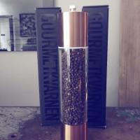 Kryddkvarn i brons med peppar