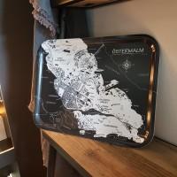 Bricka med kartmotiv över Östermalm