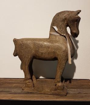 Handgjord stenhäst - Handgjord stenhäst