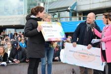 Checkutdelning! 20.000kr till Årets B-Tränare (IF Försäkringar) och 20.000kr till Årets Häst (Söderberg & Partners)