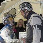 Peter Ingves och Ante Lisell glada i vinnarcirkeln. Foto: Lars Jakobsson / TR Bild