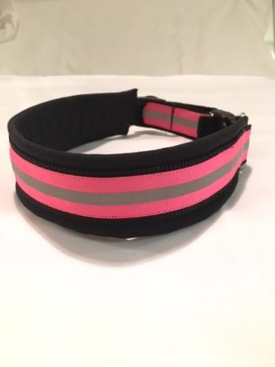 Vanligt halsband med 25 mm rosa reflex ripsband.