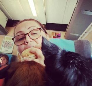 Mica på resande fot med sina hundar!