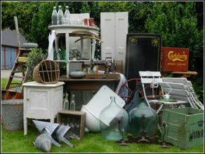 Inred med antikt, vinage, gammalt & nytt i gårdsbutiken Ann-Tikt & Sånt utanför Laholm