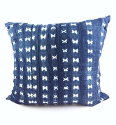 MOSSI INDIGO CUSHION CROSS