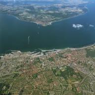 Öresund mellan Helsingborg och Helsingör  Nr. 9912 07911