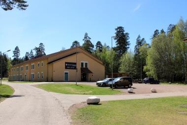 Krongårdens vandrarhem från vägen. Foto: Sanna Sandberg.