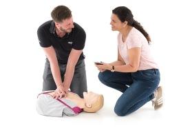 HLR-utbildning – lära dig grundläggande hjärt- och lungräddning på bara 2 timmar och 15 minuter!