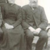 """Mjölnare Karl Petersson (som kom till Vartorp 1872), med fru Katarina (Kata), föräldrar till Johan """"Möllare""""."""