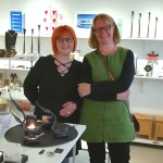 Eva Björnström med Lena Lysvret som invigde utställningen / Eva Björnström with Lena Lysvret who opened the exhibition