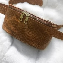 CROCO BELT BAG BROWN