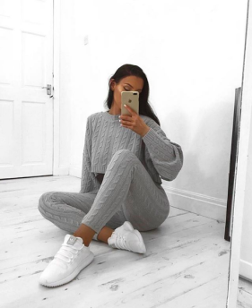 KNITTED SET GREY