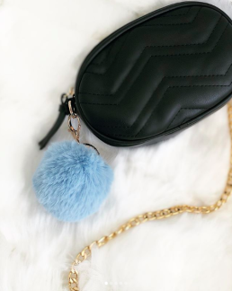 FAUX FUR KEYCHAIN GOLD - BABY BLUE