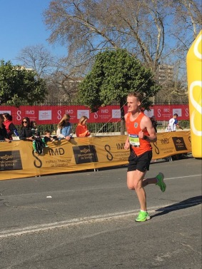 Alexander segrade i M22-klassen i Sevilla Maraton
