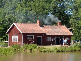 Smedjan i Hajstorp längs Göta kanal