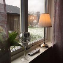 Vridfönster med glasdelande post