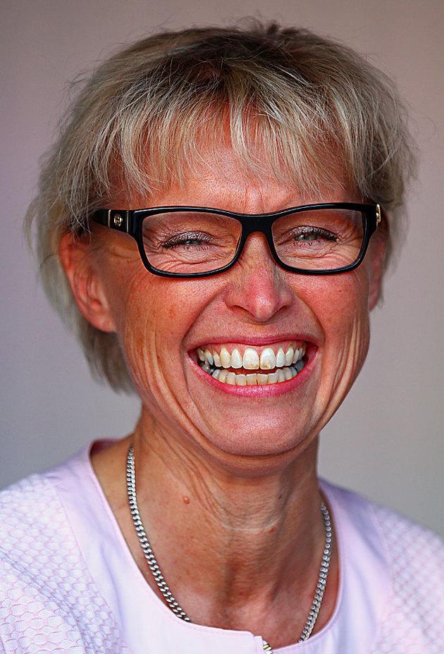 VD Anette Erlandsson är en glad skit och inte svår att få igång....OK  detta porträtt ska nog inte vara på hemsidan men bilden lockar till skratt!!