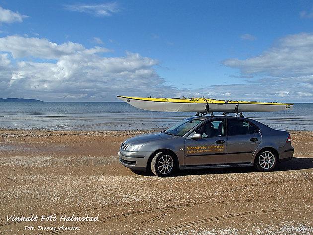 Man kan tycka vad man vill om att köra bil på stranden men delar av den är tillåtet på Mellbystrand och klart praktiskt för sjösättning av kajaken när en av dagarna innebar paddling vid denna kustremsa.