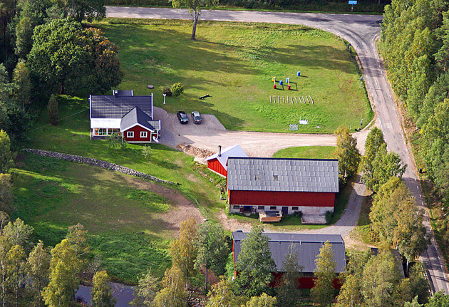 Skallinge gård som önskade en flygbild för sin marknadsföring. Christel har anlitat mig innan och nästa gång ska jag fotografera reklambilder i Halmstad då med häst och vagn då hon kör brölllopspar mm.
