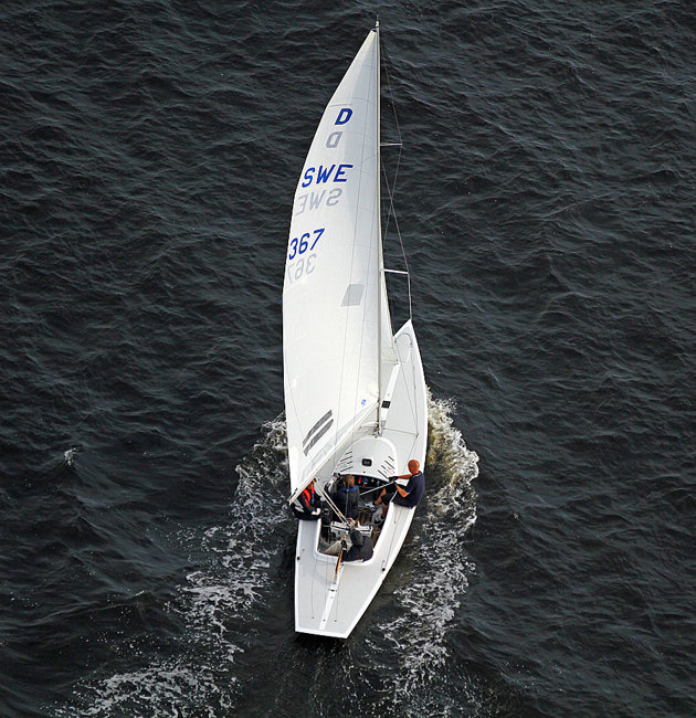 """Tja...varför inte få båten plåtad från luften, i detta fall en Drake fotograferad ute i """"Bay off Laholm"""""""