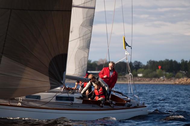 Stellan Nilsson legendarisk seglare i sin Molich.