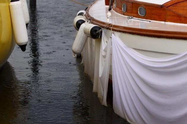 """Den här träbåtsägaren kan ta bort sina """"kjolar"""" idag."""