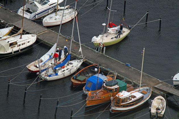 Här har jag fått med två av mina båtar Thoya (vit segelbåt med blå dogers) och min fotobåt Paparazzi längst ned till höger.