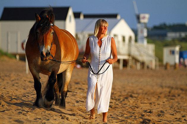 Hästen Liiv och Christel som jag plåtade en fin sommarkväll vid Tylösand.
