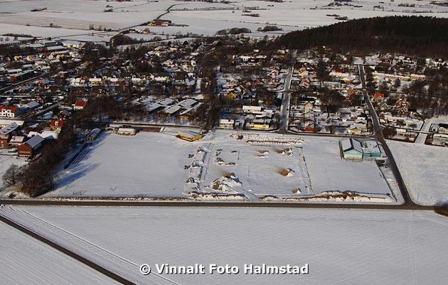 Harplinge och Skedala fotbollsplaner är uppdraget. Bilden är Harplinge fotbollsplan och det är för dokumentation som bilderna ska användas.