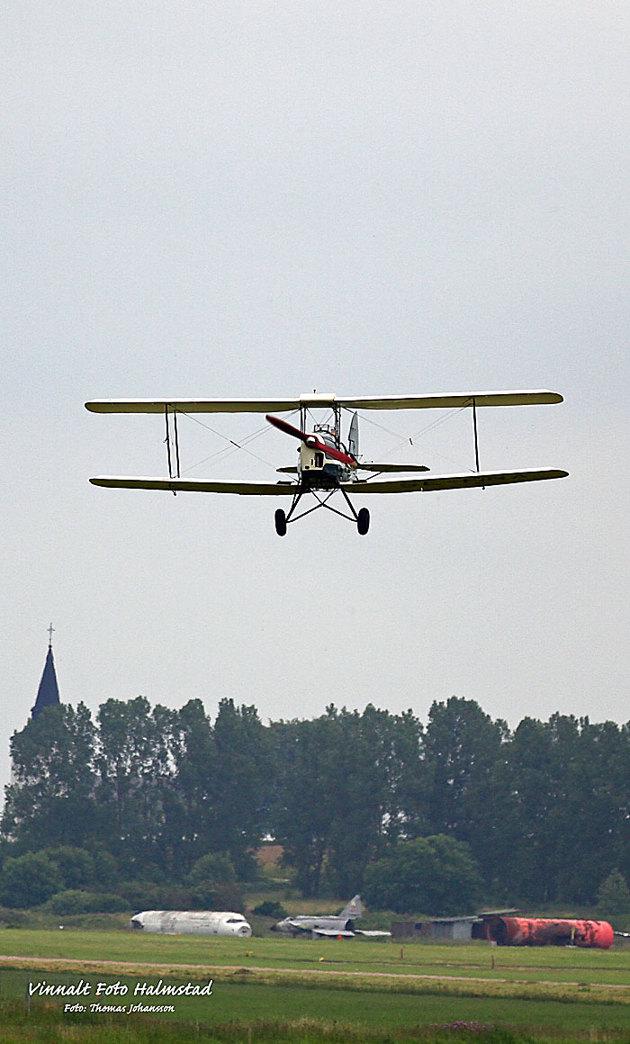 Tiger Moth...en sån har jag varit uppe i för ett antal år sedan...urläckert plan!!