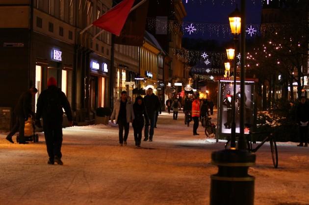 Den stora jakten är på G. Storgatan Halmstad 2010-12-06 ca 16 15