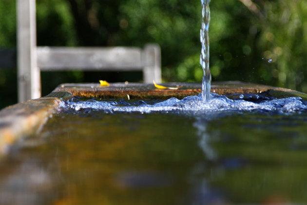 Vatten från Alperna som man kunde dricka i en park.