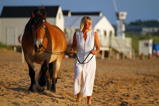 Så..Liiv är en häst som trivs på land.