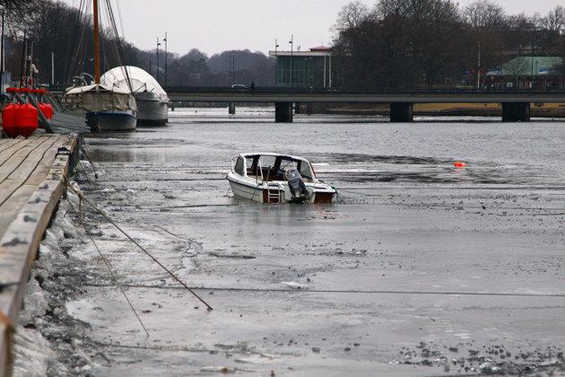 Förtöjning...vadå!! Undrar vad det bär hän när isen släpper??