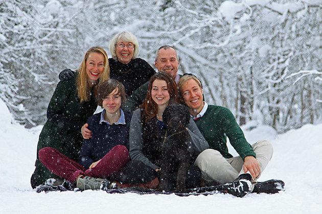 Sommriga familjebilder är vanligast men till denna bokningen blev det snöfall...men vadå??