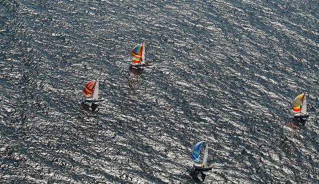 """Piggar upp med lite färgklickar. Bilden är fotograferad i samband med """"Small Ships Races"""""""