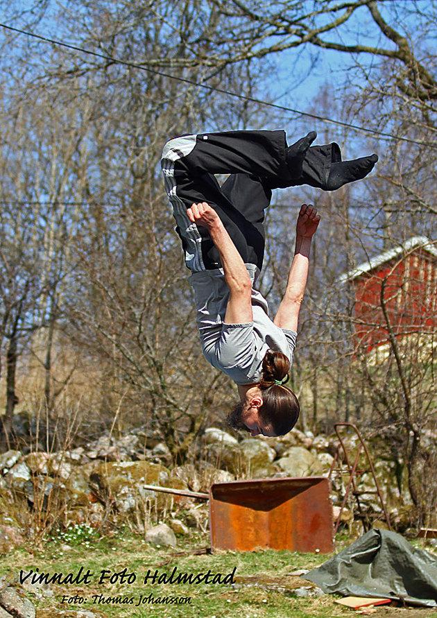 På en av gårdarna kunde även djurägaren hoppa studsmatta med lite stil..