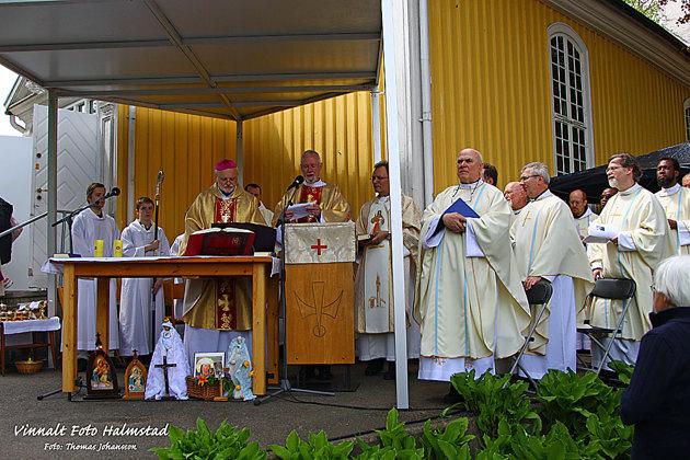 Mängder av präster mm...