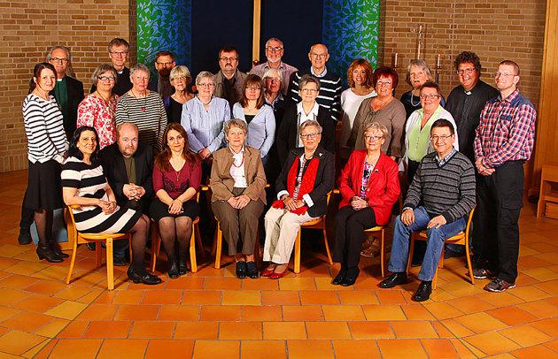 Den här bilden kommer i nästa nummer av Snöstorps församlings tidning. Det är nyutbildade kyrkvärdar och några präster.