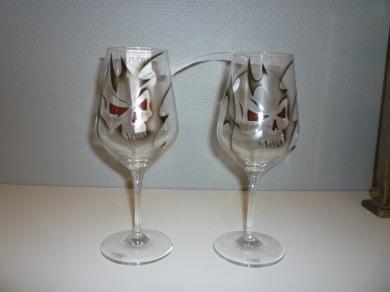 Glas dödskalle Nybro - Vinglas dödskalle Nybro