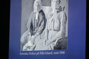 Svenska flickor på Ellis Island, runt 1900