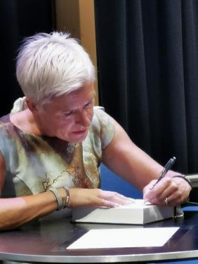 Signerar boken
