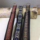 Stiliga halsband med guld/silver inslag