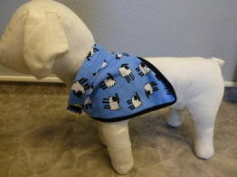 Söt scarf med lamm motiv - Blå scarf med lamm motiv med kardbore band 45-60