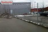 Industristängsel med taggtråd